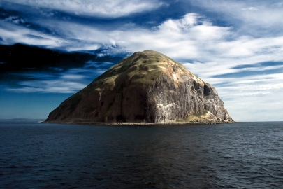 Ailsa_Craig_from_Waverley